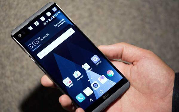 大佬扎堆儿入局 折叠屏手机离我们还有多远?