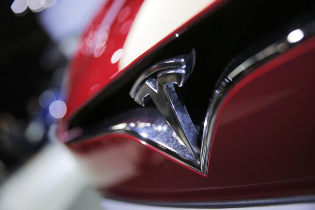 即使松下有新技术 Model 3想装太阳能车顶也够呛