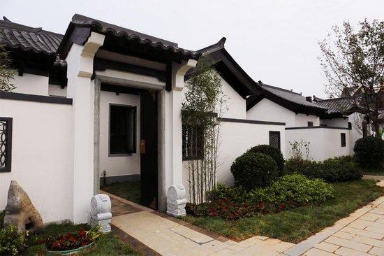 新中式别墅春风示范区海边首绽,院落十里只为对大门正入户别墅门图片