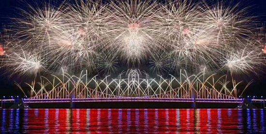 大连万科步入百亿时代 迎新年音乐烟花晚会盛启