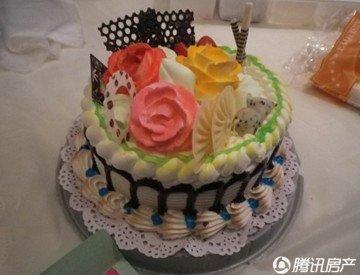 甜美富有创意的蛋糕出炉啦!-华业 玫瑰东方Ⅱ期蛋糕DIY活动甜蜜绽放