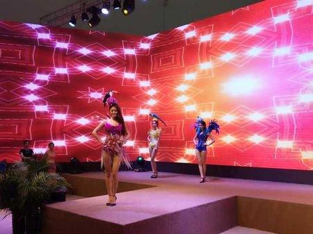 潮车、美女、趣科技,夏季房展引领全民娱乐新方式