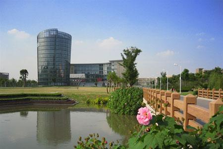 华东师范大学校园风景(组图)