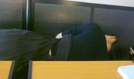 大学生上课睡觉的壮观情景图片