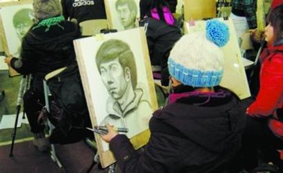辽宁首批艺术类院校考试 千人考场设40多监考