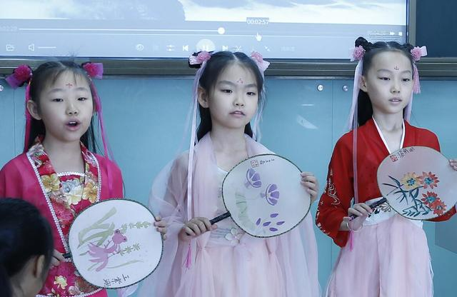 """北京小学生倡议:一起""""记住乡愁""""  讲好中国故事"""