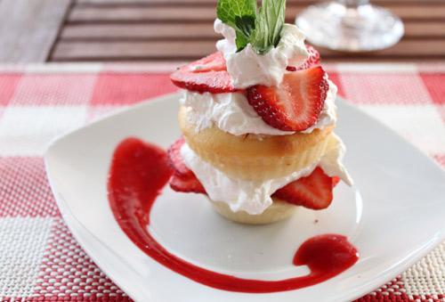 """美文欣赏:美国人最爱的贝蒂美食""""草莓酥饼"""""""