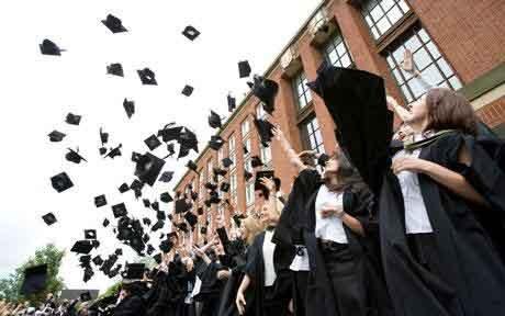 双语阅读:2020年全球大学毕业生或短缺?