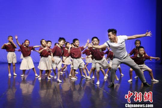 北京高校参与小学美育教学 1年累计开设529门课程