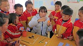 用一首《苔》感动网友的村小孩子 组建了合唱团