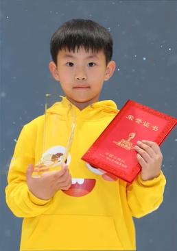 7岁男孩竟达到高中英语水平 他的学习诀窍到底是什么?