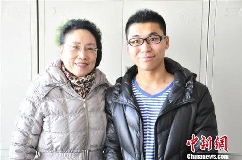 """中国""""奶奶大学生""""二度考研有望成功 (图)"""