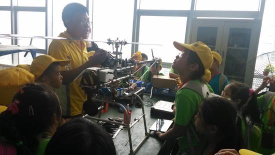 小记者夏令营:开拓孩子视野 增强语言表达能力