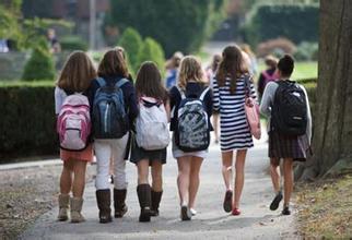 中国留美学生穿名牌成劫匪目标 警方呼吁勿露财