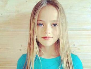 双语:俄罗斯9岁世界最美女孩成国际超模