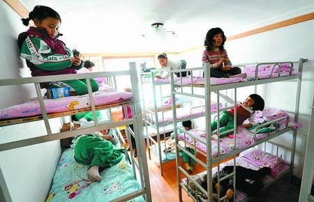 广州回应取消小学生午休托管费 财政或补贴