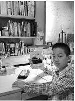 """12岁小学生写出万余字小说 妈妈帮""""模拟出书"""""""
