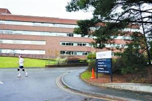 英国大学补录 经过UCAS可查各大学有空缺的课程