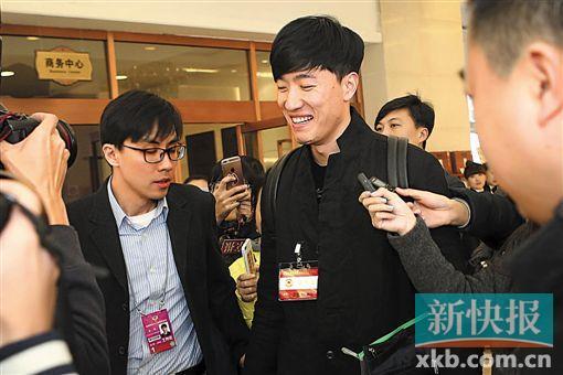 刘翔:建议学生每天坚持1小时体育锻炼