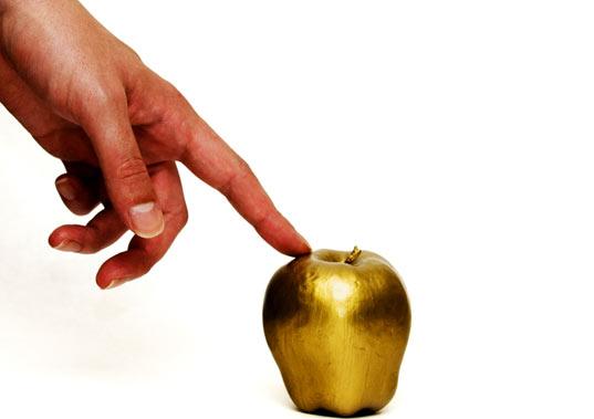 """英语热词:点金成土的""""棕手指""""让你倒霉透顶"""