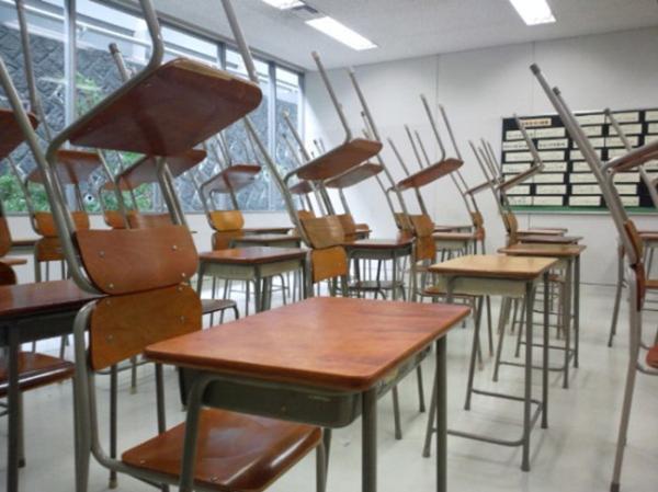日本精英高中负担不比中国轻