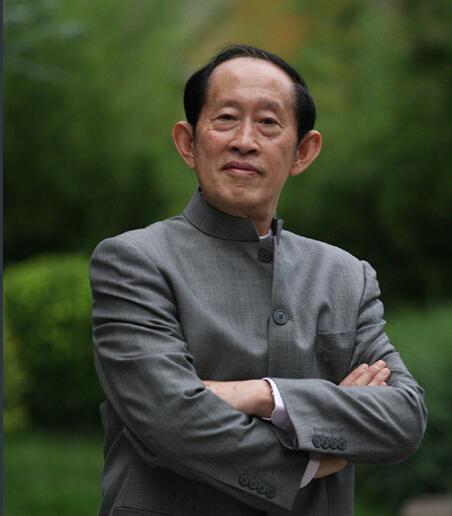 王立群评高考作文:上海考题难度大 高分不易
