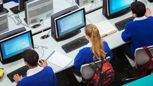 预算压力过大 英国半数中学被迫裁员