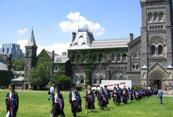 一纸诉状,2名中国留学生将加拿大私校送上法庭