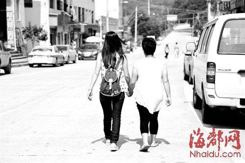 21岁福州姑娘,幸遇八旬退休教师,省吃俭用资助