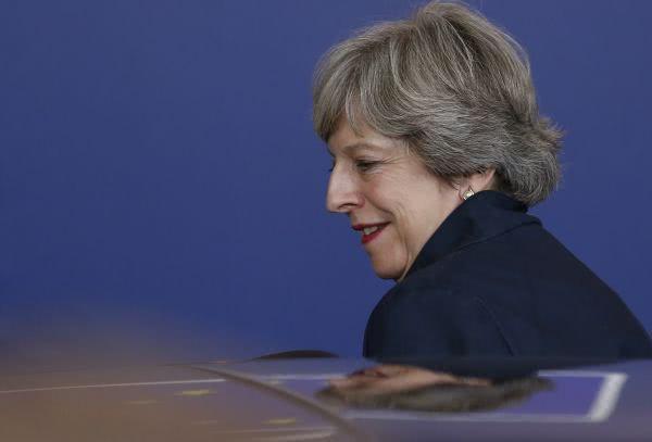 英首相抵华首推教育合作:我教你英语 你教我数学