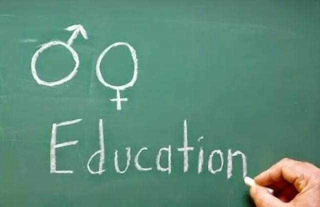 美国高中令人脸红的性教育课-美国高中网