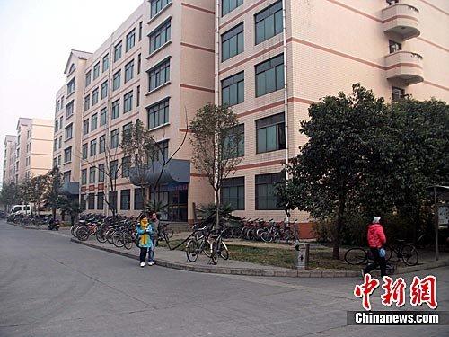 河南一大学生制作校园实景游戏地图引争议(图)