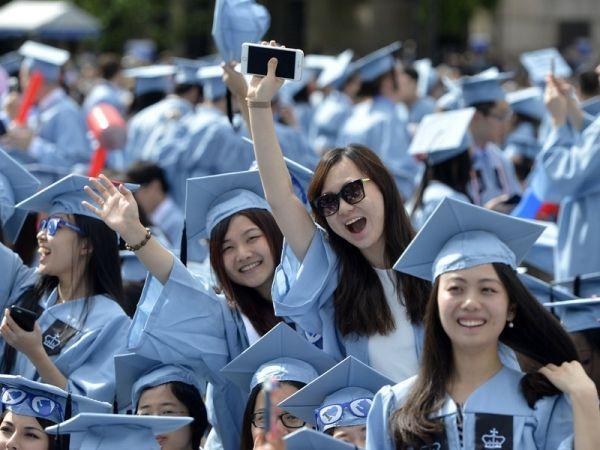 调查显示过半中国留学生回国发展 最青睐民企
