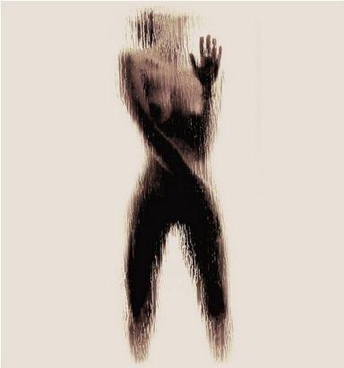 裸休藝術_震撼藝術:大學女生裸體呈現英文字母剪影(組圖)