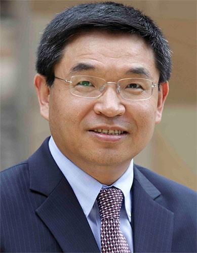 影響世界的中國面孔:專訪薩里大學校長逯高清博士