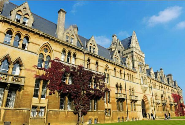 牛津大学打破美国垄断 问鼎最新世界大学排行榜