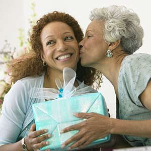 英语美文:9个省钱而又独特的母亲节礼物创意