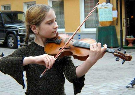 俄罗斯学校和家庭非常注重艺术教育