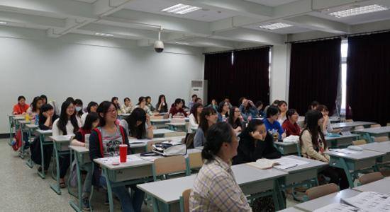 北外日研中心张龙妹教授应邀来日语学院作讲座