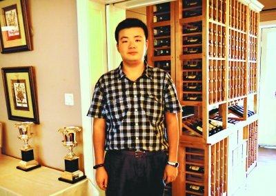 """武汉大学""""牛人""""博士生:26岁已经出版9部专著"""