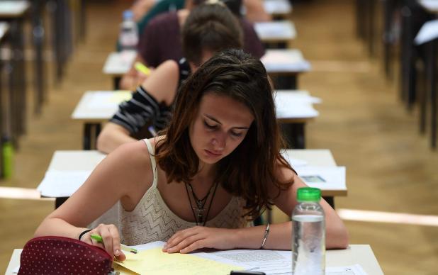 还有这种操作?牛津大学延长女生数学考试时间