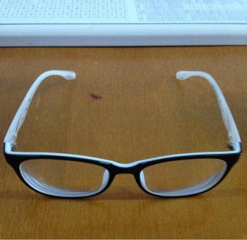 """""""眼镜被收走""""高考女生 希望教育部门公开道歉"""