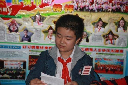 """""""五道杠少年""""折射中国教育功利化 - 政治组 - 广西桂林市第一中学"""