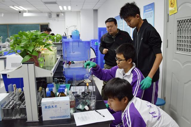 """清華附中奧森校區科普教育一直在路上:""""科技點亮生活,創新就在你我"""""""