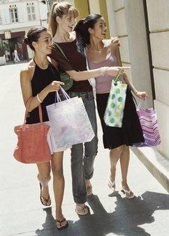 在商场打发时间的mall rat