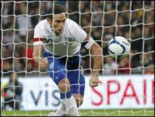 Frank Lampard scores the winning goal against Spain