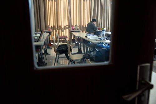 研究生考公务员调查:考上公务员立马退学