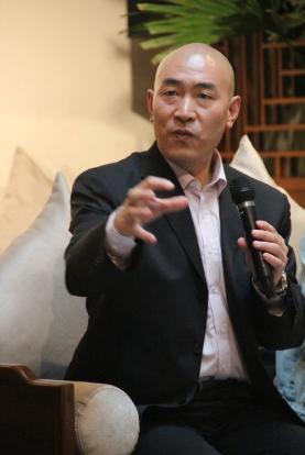 李锦超评高考作文:关切现实和学生身心发展