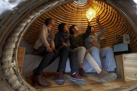 大学生花6427元建成蛋形蜗居 省房租改善生活