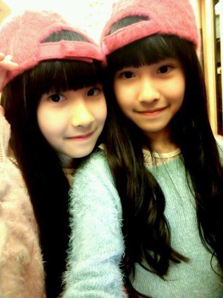 台湾双胞胎萝莉姐妹花近照曝光气质清新甜美